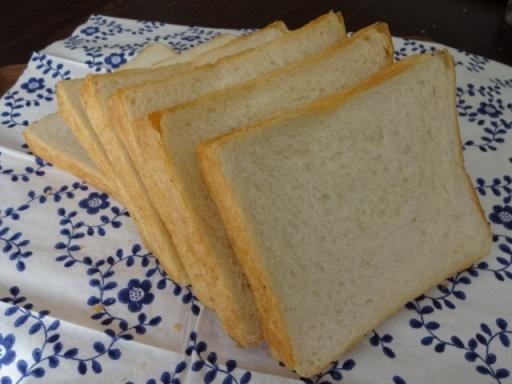 ピッコロの食パン